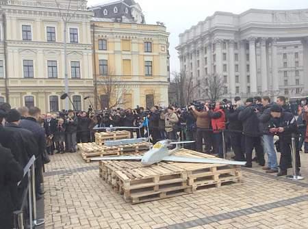П.Порошенко показал лидерам западных стран российскую технику, которая была захвачена в зоне АТО 12:54 Миссия ОБСЕ сегодня не направляла колонну автомобилей в Дебальцево