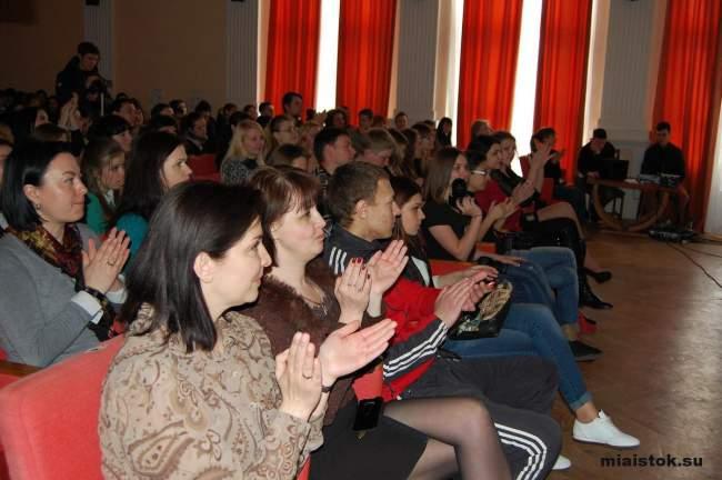 Студентки-педагоги и психологи не только отзывчивы, но и очаровательны