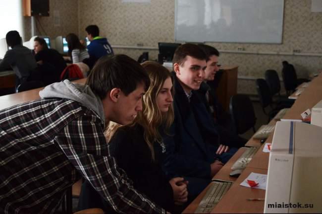 Абитуриенты Луганщины прошли пробное тестирование