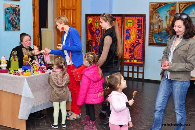 Пасхальные творения руками луганских мастериц