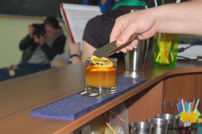 Луганские бармены показали своё мастерство