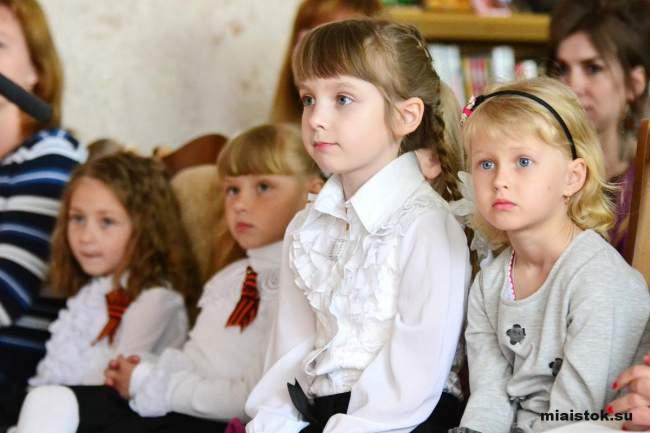 Дети Луганска рисуют Победу