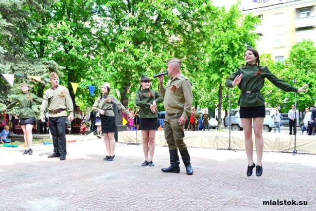 «Песни, опалённые войной» прозвучали в Луганске