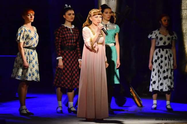 Луганчане верят в новый цветущий победный май – концерт в ЛНР ко Дню Победы