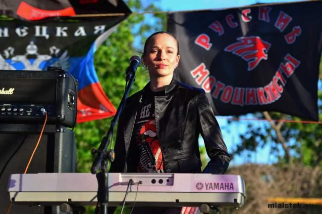 Огонь и рок-музыка – в мотоцентре «Ночных волков» прошёл зажигательный концерт