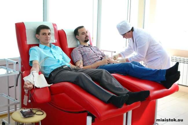 Мы не проливаем кровь, мы ею делимся: в Луганске прошла акция по сдаче крови