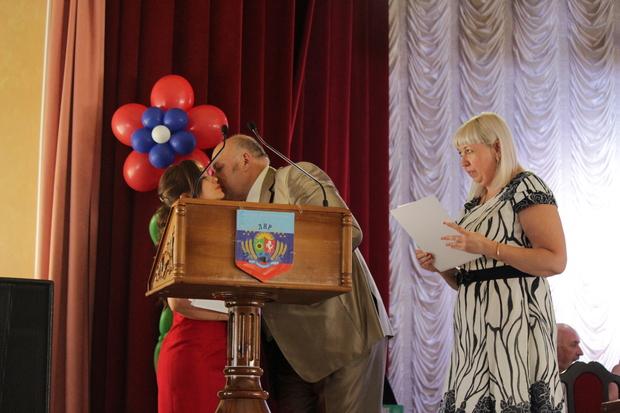 Выпускники Луганского медуниверситета получили дипломы российского образца (ФОТО)