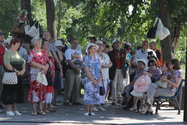 Концерт в честь 100-летия Михаила Матусовского состоялся в столичном сквере (ФОТО)