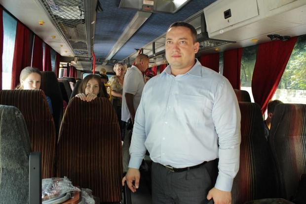 Дети из Алчевска и Красного Луча отправились на отдых в Северную Осетию (ФОТО)