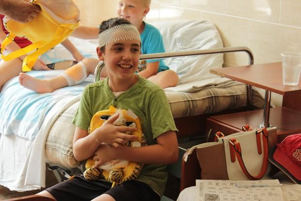 Московский Фонд мира передал республиканской детской больнице медикаменты и игрушки (ФОТО)