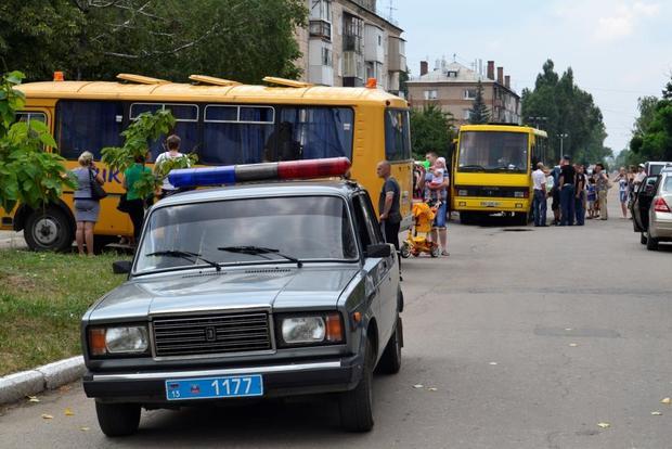 Дети Лутугинского района оправились отдыхать в Крым (ФОТО)