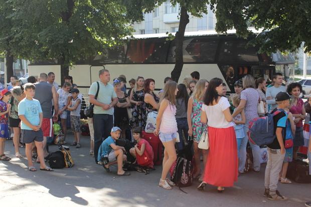 Около сотни детей горняков отправились на отдых в здравницу «Лесные просторы» (ФОТО)