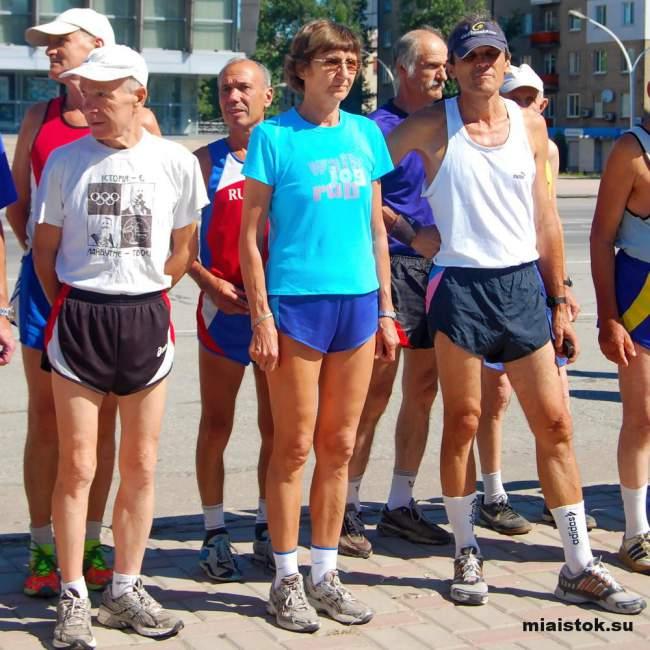 В Луганске состоялся легкоатлетический пробег, посвященный Дню работников физкультуры и спорта