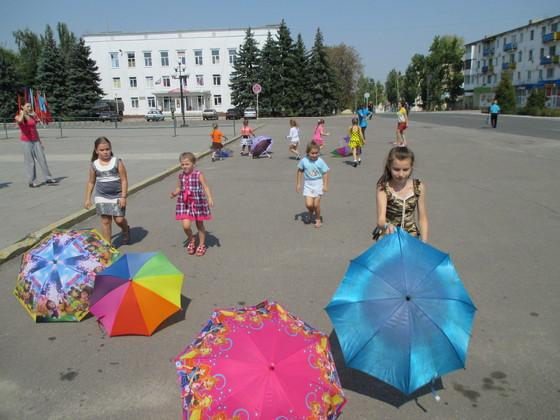 Репетиция Дня города прошла на центральной площади прифронтового Первомайска (ФОТО)