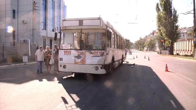 В Луганске автомобиль ОБСЕ попал в ДТП (фото)