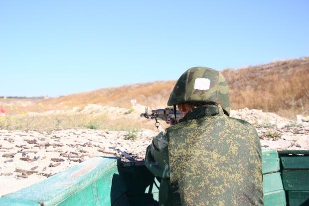 «Урок мужества» для молодежи клуба «Доброволец» прошел на военном полигоне в ЛНР (ФОТО)
