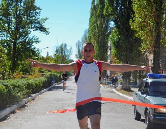 «Кросс Нации» в Лутугино собрал свыше 300 спортсменов и любителей спорта (ФОТО)