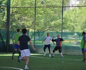 На открытых площадках прошли игры по мини-футболу
