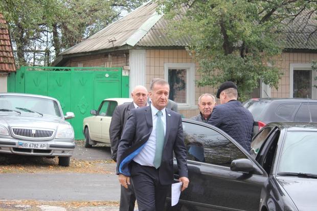 Мэрия Луганска отремонтирует поврежденные обстрелами ВСУ дома в поселке Красный Яр (ФОТО)