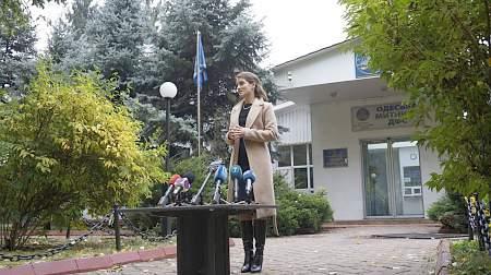 Одесские таможенники будут ориентироваться на грузинских консультантов — Ю.Марушевская 19:47 А.Яценюк поздравил лидера Либеральной партии Канады с победой на выборах