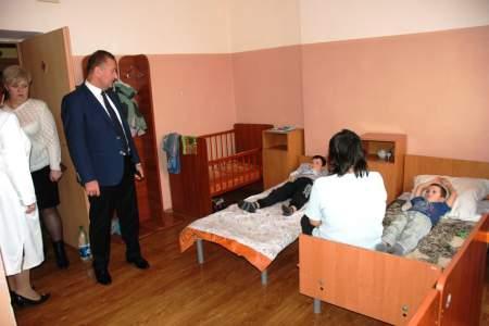 Манолис Пилавов посетил детскую городскую больницу №2 (фото)