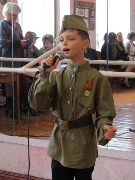 В регионах ЛНР: в Брянке прошел отборочный тур Международного Фестиваля песни «Наследники Победы»