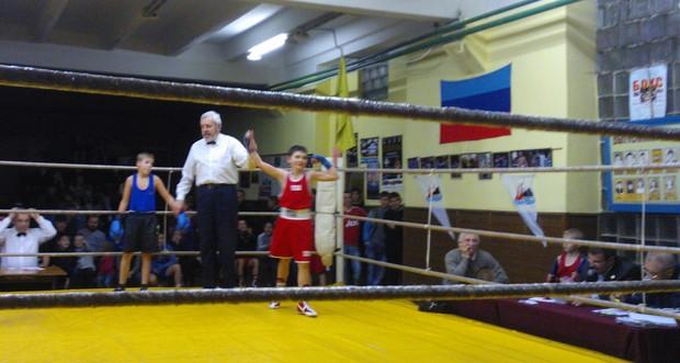 Открытый турнир по боксу памяти героев «Молодой гвардии» состоялся в Краснодоне