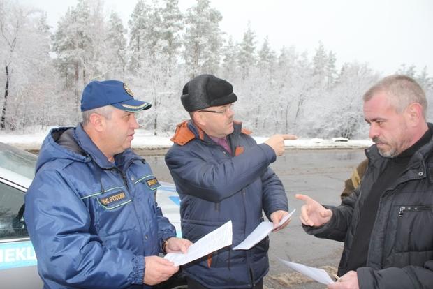 Разгрузка автомобилей очередного гумконвоя МЧС РФ началась на складах в Луганске (ФОТО)