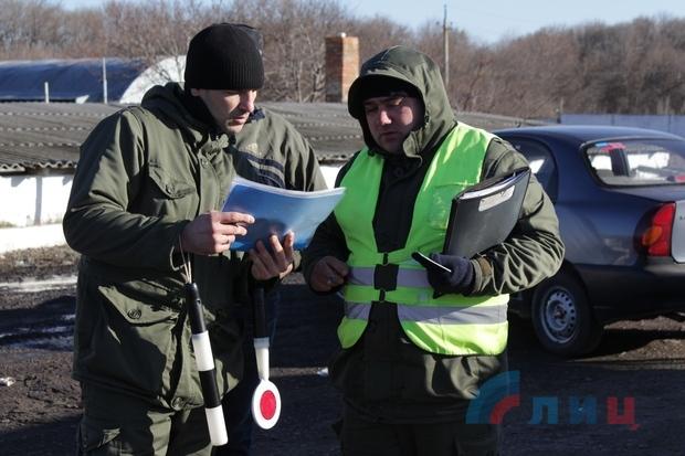 Минтранс ЛНР провел рейд по проверке законности пассажирских перевозок (ФОТО)