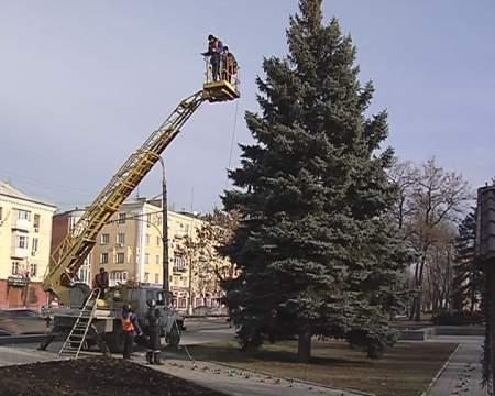 Монтаж праздничной иллюминации произвели сотрудники ГКП «Горсвет»