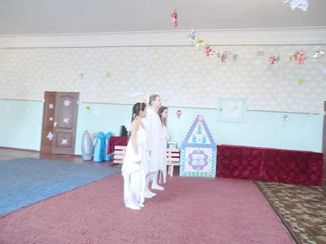Прокурор Лутугинского района поздравил воспитанников Белореченской школы-интернат с Днем Святого Николая