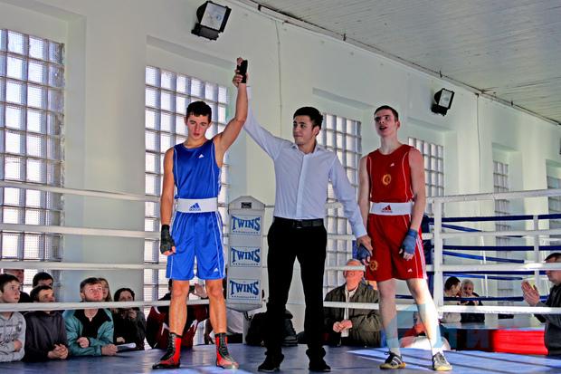 Боксеры из ЛНР завоевали 13 призовых мест и победу в командном зачете на чемпионате ДНР (ФОТО)