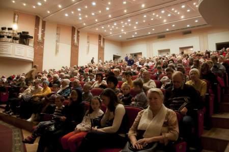 В Луганской филармонии показали «Зимнюю сказку»