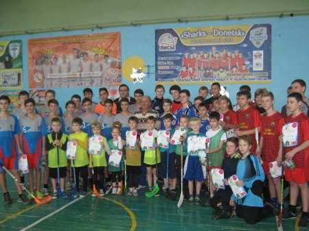 Юные луганчане завоевали первое место в соревнованиях по флорболу в ДНР