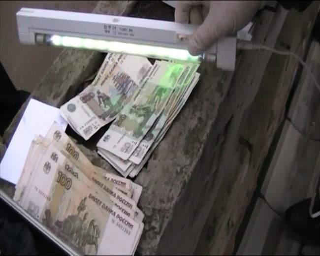 Специалисты МВД пресекли деятельность коррупционера из Генпрокуратуры ЛНР (фото)
