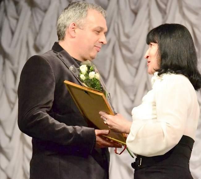 Работники культуры принимали поздравления
