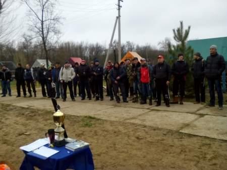 Около 40 рыболовов приняли участие в открытии сезона