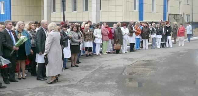 В Луганской городской многопрофильной больнице №7 посчтили пмячть погибших при взрыве 18 января 2010 года.  (фото)