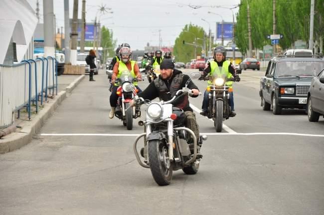 «Осторожно, мотоциклист!» (фото)