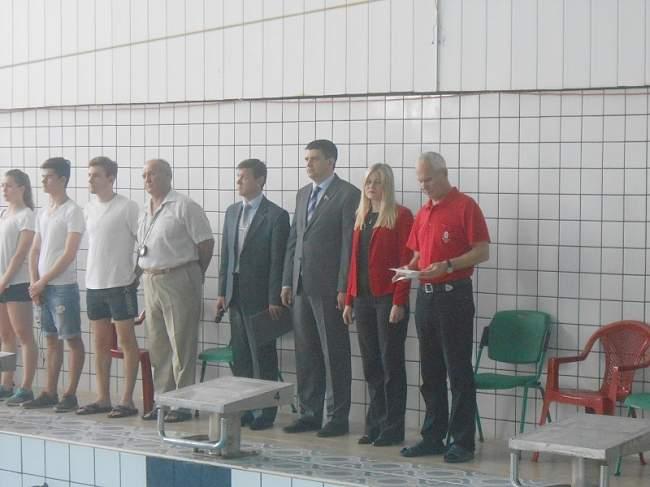 """Как стало известно """"Луганску онлайн"""", вчера, 5 мая в Спортивном комплексе «Спартак» началось открытое первенство Центра олимпийской подготовки спортсменов «Олимп-спорт» по плаванию, посвященное Дню победы."""