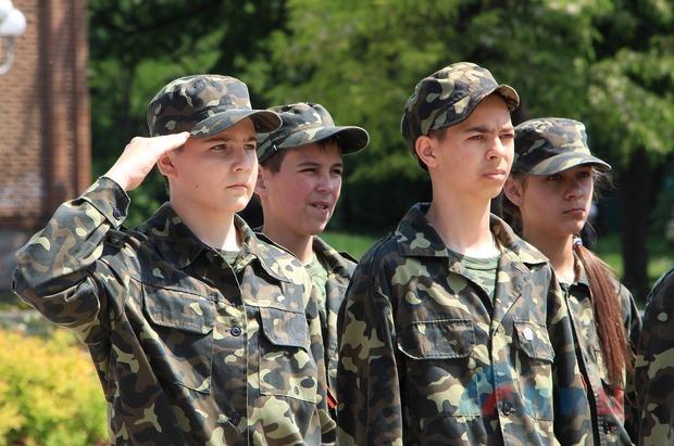 Команда школы №22 Луганска стала победителем городской игры «Зарница» (ФОТО)