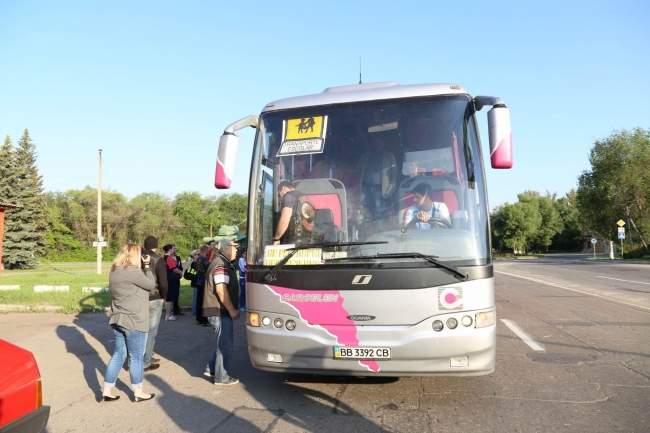 Сотрудники МВД ЛНР отправили 20 школьников на отдых в Нижний Новгород (фото)
