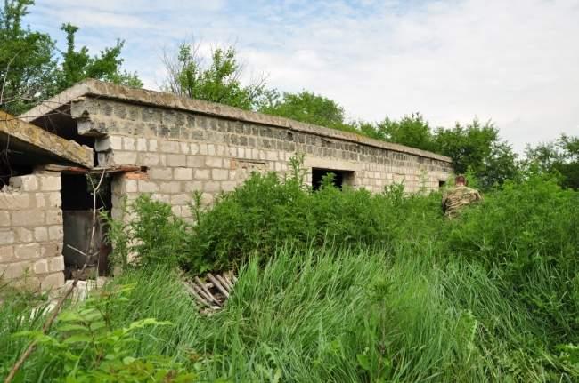 Тайник с боеприпасами обнаружен под Луганском (фото)