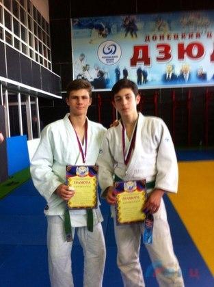 Луганские дзюдоисты завоевали пять медалей на турнире памяти Прудникова в ДНР (ФОТО)