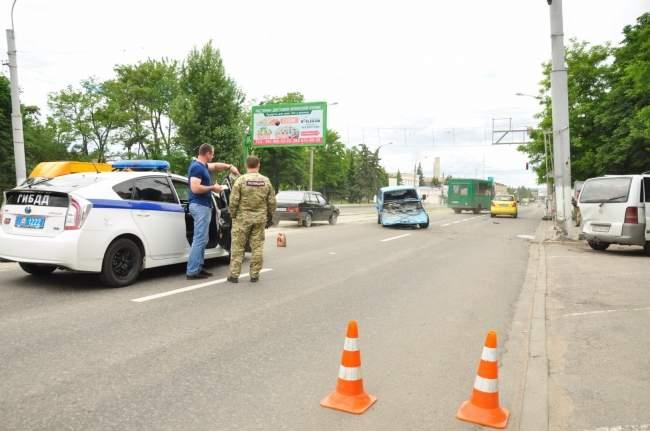 Пьяный водитель стал виновником ДТП в Луганске (фото)