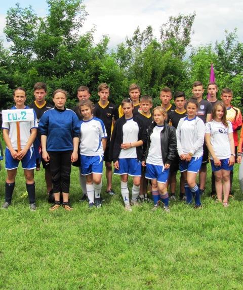 В открытом чемпионате поселка Ясеновский (г. Ровеньки) по мини-футболу, приняли участие 24 команды. (фото)