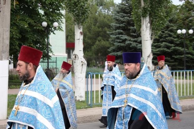 Крестный ход в честь Луганской иконы Божией Матери прошел по центральным улица Луганска (ФОТО)