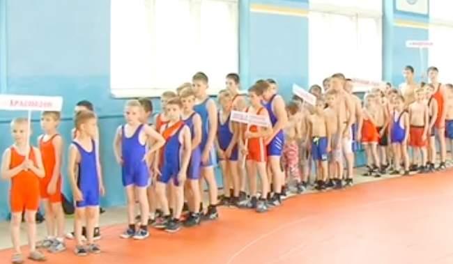 Федерация греко-римской борьбы г. Свердловска провела турнир