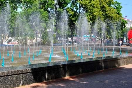 Сезон фонтанов в Луганске