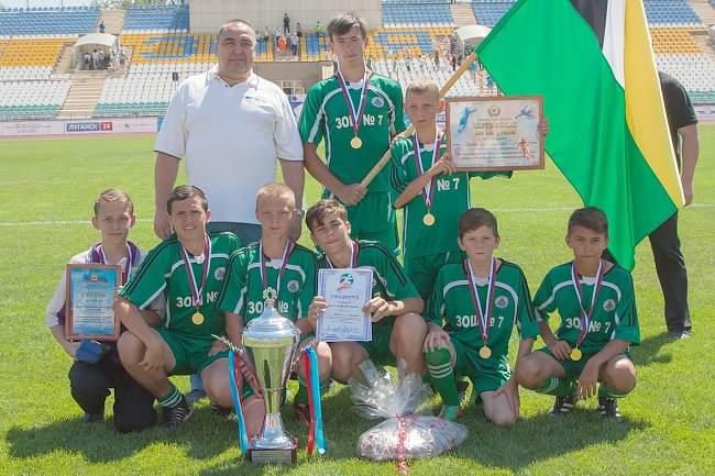 В республике завершился чемпионат ЛНР по дворовому футболу